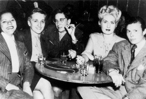 1940s-lesbian-bar-love-photograph--large-msg-114895856975-2