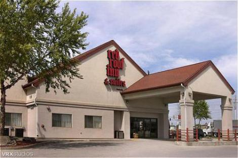 Red-Roof-Inn---Suites-Des-Moines-photos-Hotel