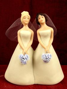 lesbian-wedding-cake-topper