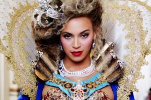 Queen-Beyonce-900-600